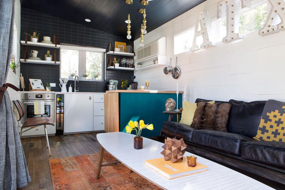 Eklektički šarena kuća male kucice mala soba