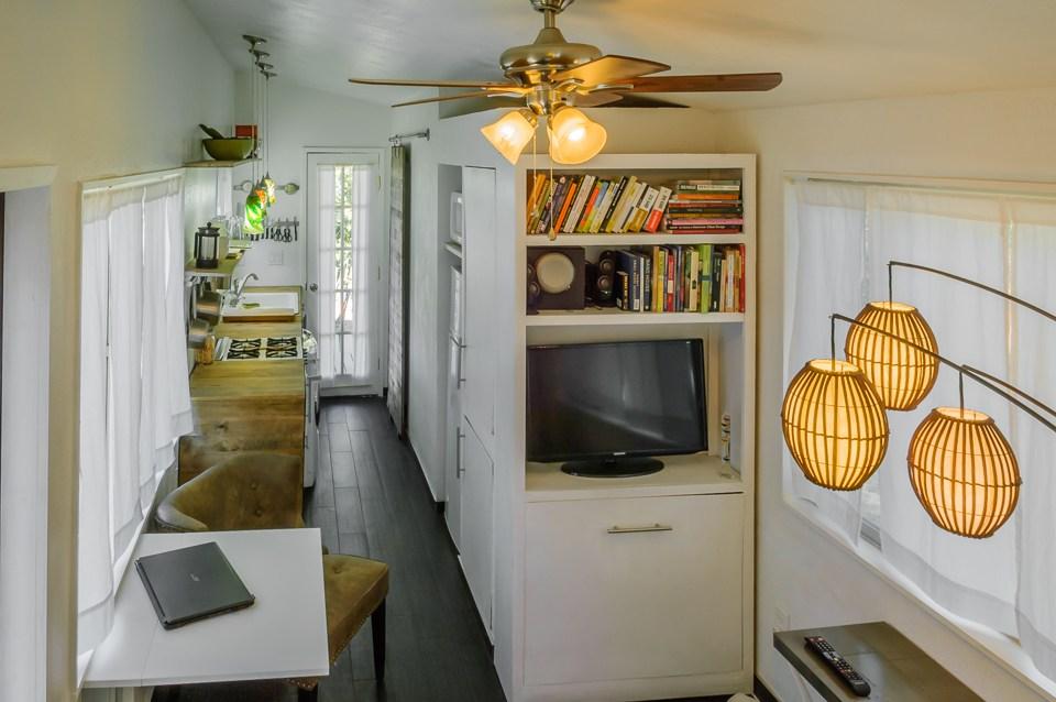 male kucice minimalisticki stil dnevni boravak i kuhinja