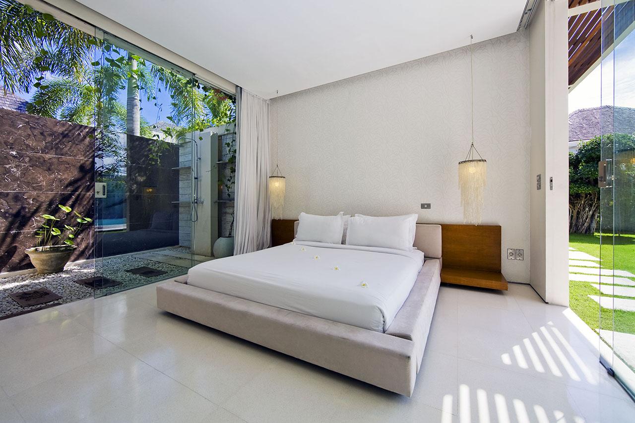Chandra Villa, Bali vanjski tuš