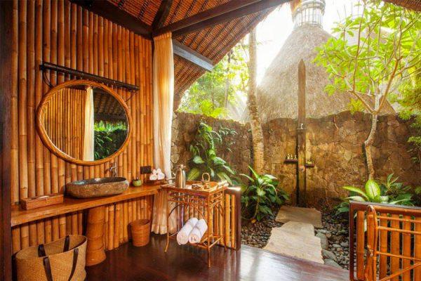Five Elements, Bali vanjski tuševi