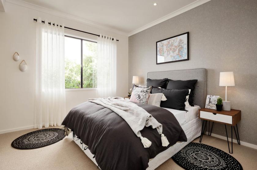 Boja bijele kave tepiha u spavaćoj sobi