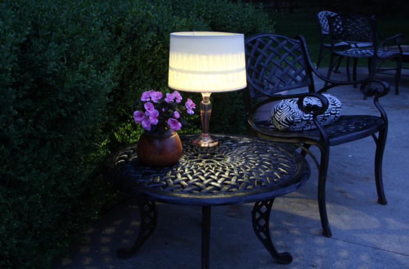 VRT IZ SNOVA: DIY stolna svjetiljka za Vaš vrt