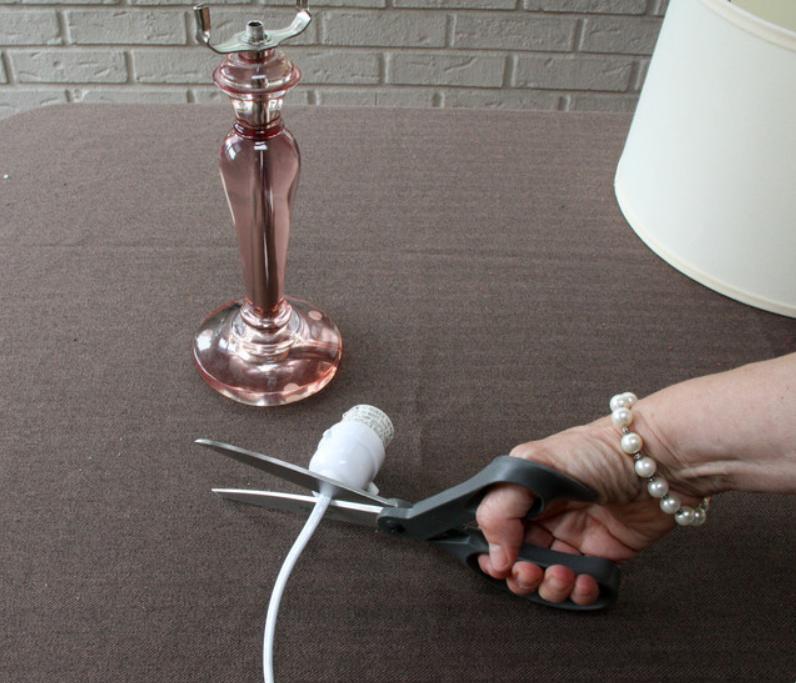 Odrezivanje kabla iz svjetiljke