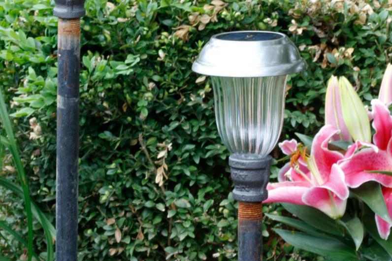 solarna lampa za vrt