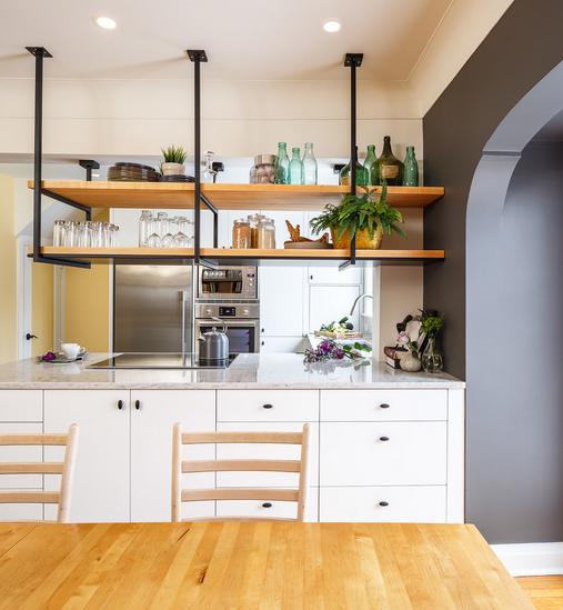 Otvorene police su super riješenje za malu kuhinju