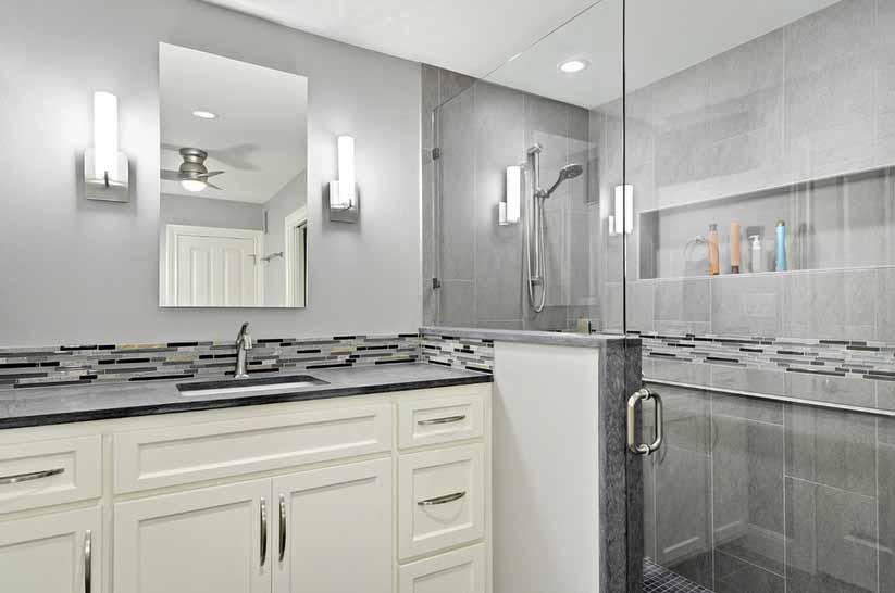 Poruclanske ploćice kao izbor u kupaoni kada je u pitanju vlaga