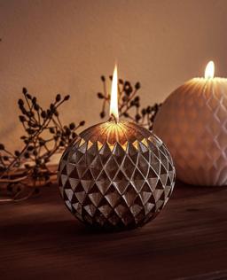 Dekorativna ukrasna svijeća