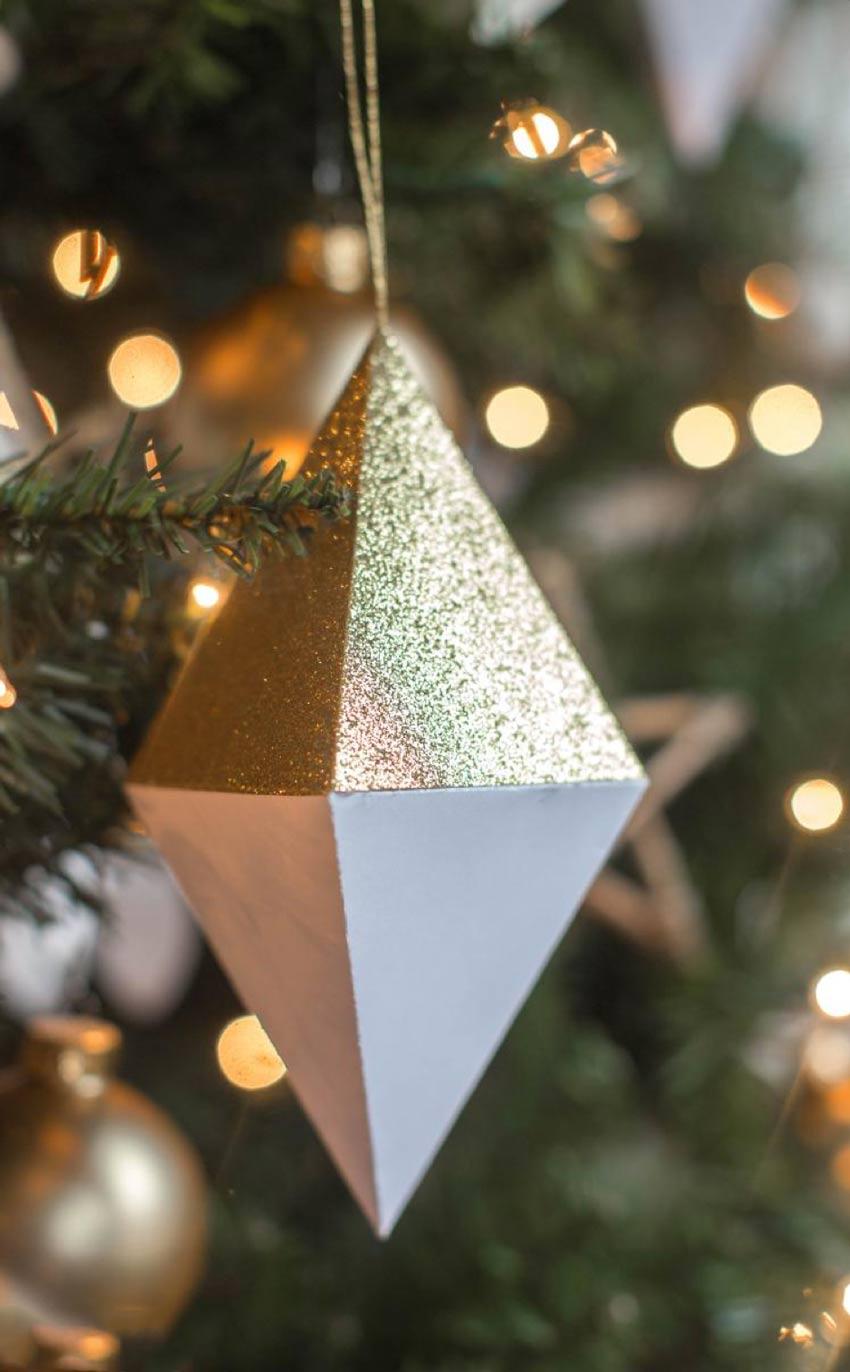 Dijamant od papira na drvcu